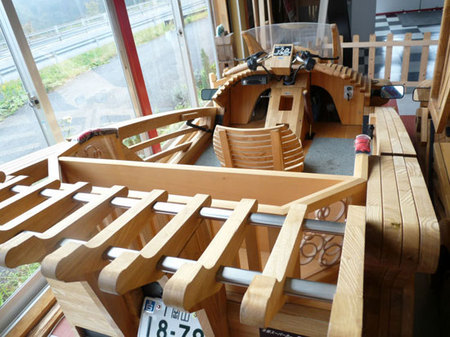 World's_first_wooden_car3.jpg