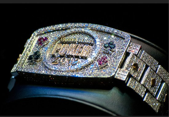 World-Series-of-Poker-bracelet-2012-4.jpg