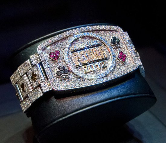 World-Series-of-Poker-bracelet-2012-6.jpg