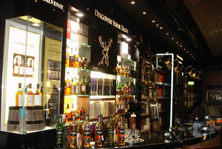 World-of-Whiskies-store2.jpg