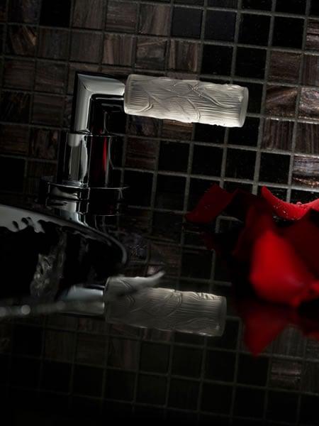 Yoko_Suite_bathroom_fittings2.jpg