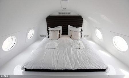 airplane_hotel2.jpg