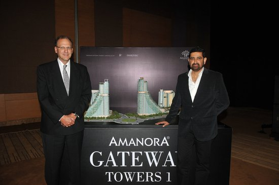 amanora-gateway-towers-3.jpg