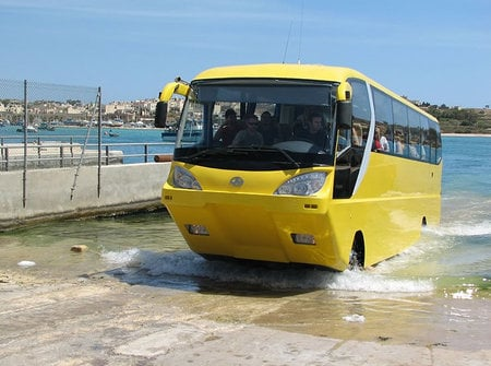 amphicoach_amphibious_tourist_bus5.jpg