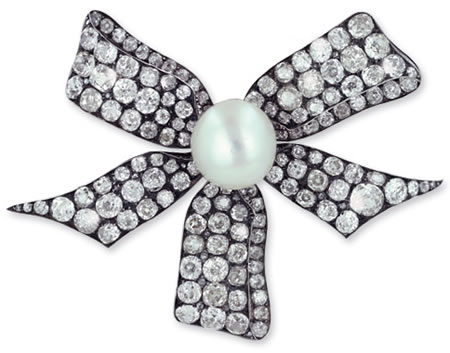Antique Brooch with Diamonds and a Natural Pearl for $350,000