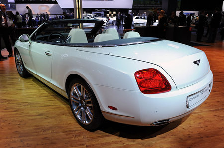 bentley_51_continental_GTC_4.jpg