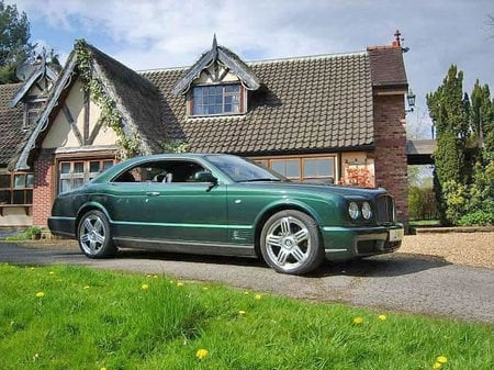 bentley_brooklands_2.jpg