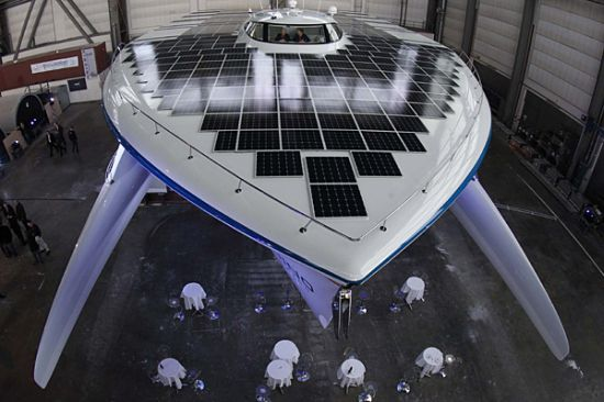 bigges-solar-powered-boat-2.jpg