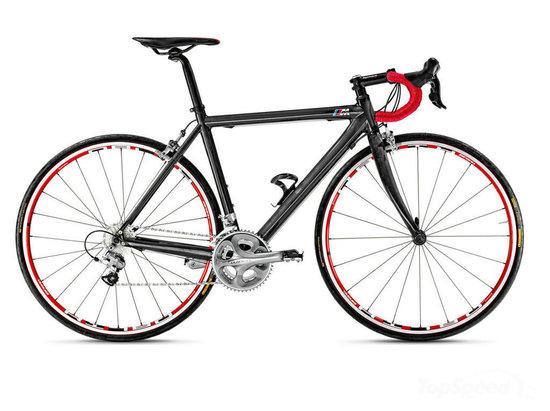 bmw-carbon-fiber-racer-bike-2.jpg