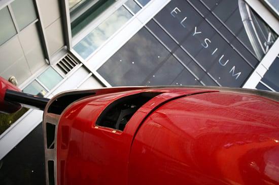 bugatti-futuristic-3.jpg