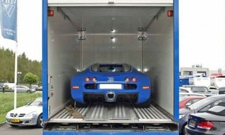 bugatti_veyron_with_mercedes_atego3.jpg
