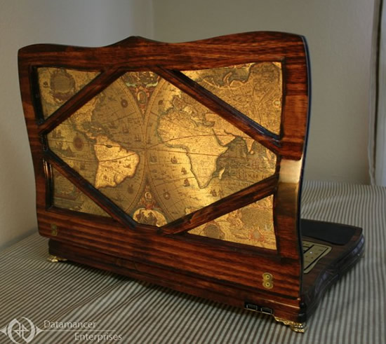 datamancer-victorian-laptop-5.jpg