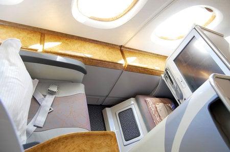 emirates_a380_10.jpg