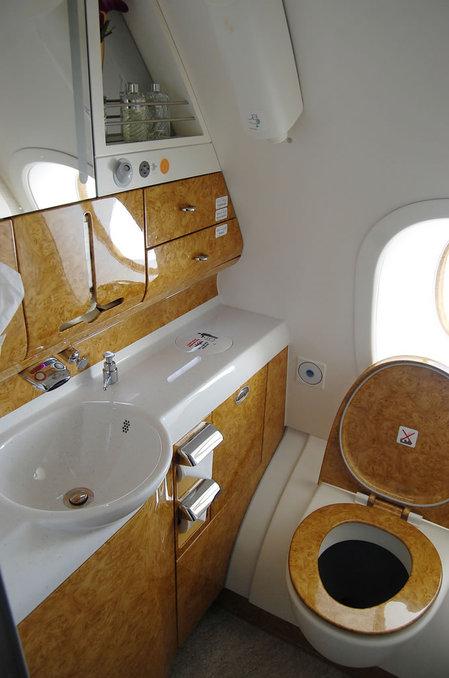 emirates_a380_7.jpg