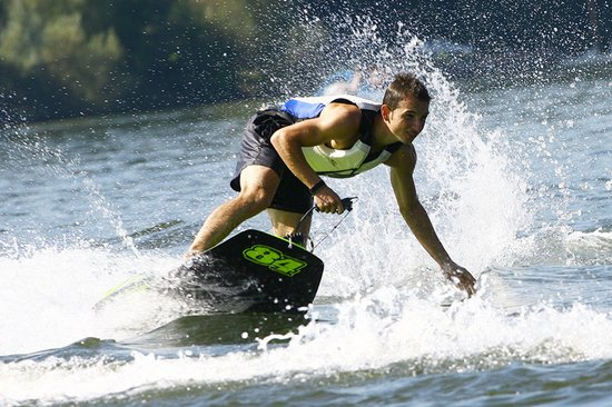 engine-powered-surfboards-2.jpg