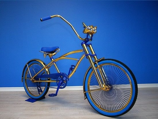 Swarovski-studded gilded bikes add bling to a green ride