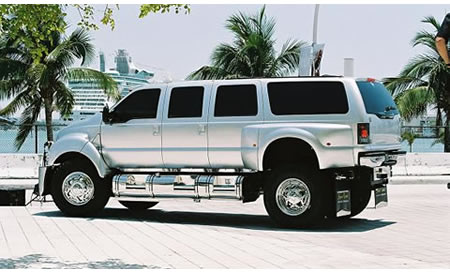 Ford F650  on Xtreme Utility Vehicle Yet It S A 2006 Xtreme Ford F650 Supertruck