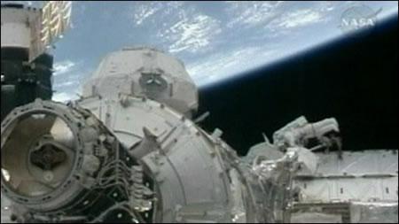 final_spacewalk_2.jpg