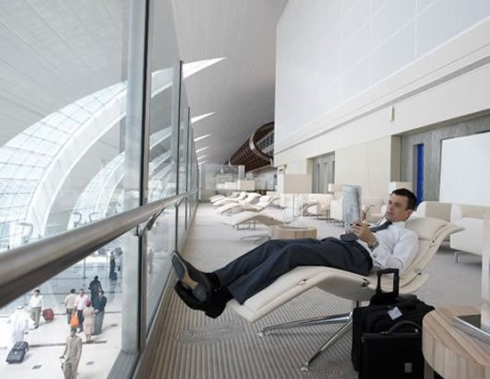 fly-emirates_lavish_airport_lounges.jpg