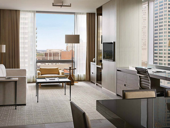 four-seasons-yorkville-suite.jpg