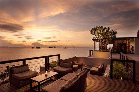 glow-lounge-sunset.jpg