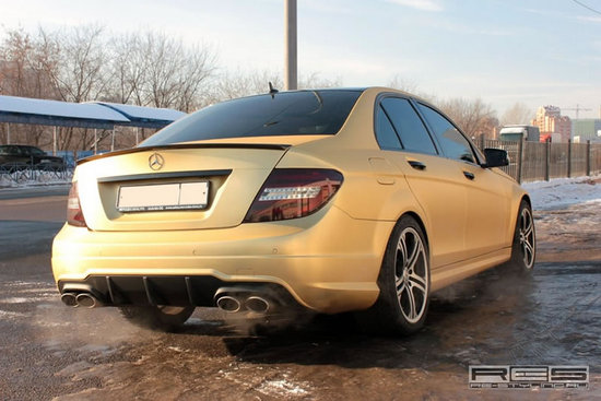 gold_carbon_mercedes_benz_c63_amg_facelift_2.jpg