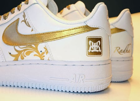 gold_shoes_2.jpg