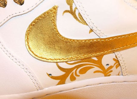 gold_shoes_3.jpg