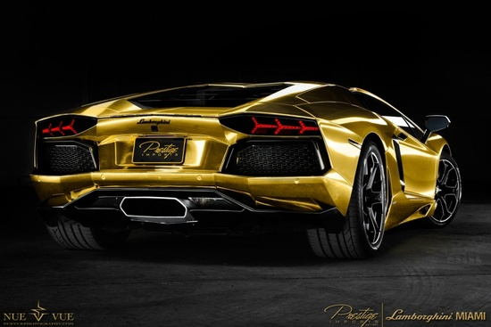 good-gold-aventador-edition-3.jpg