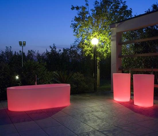 illuminated-bathtubs-antonio-lupi-oio-2.jpg