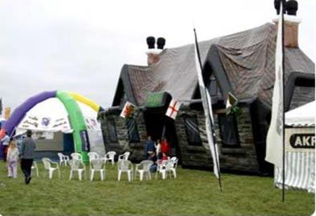 inflatable-pub_5.jpg