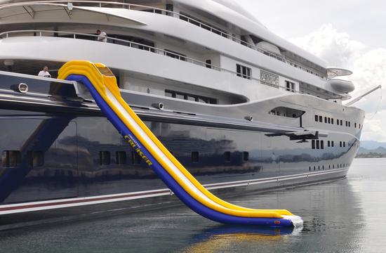 inflatable-yacht-5.jpg