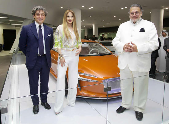 jennifer-lopez-at-audi-showroom.jpg