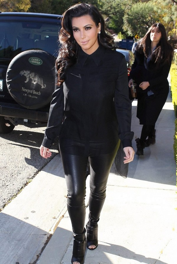 Kim Kardashian S 400 000 Rolls Royce Delivered To Her Los Angeles