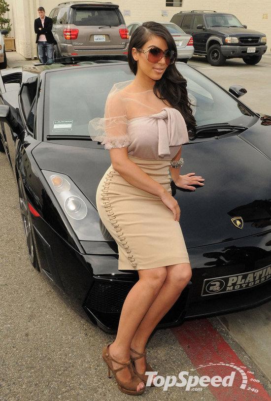kim-kardashian-s-car-2.jpg