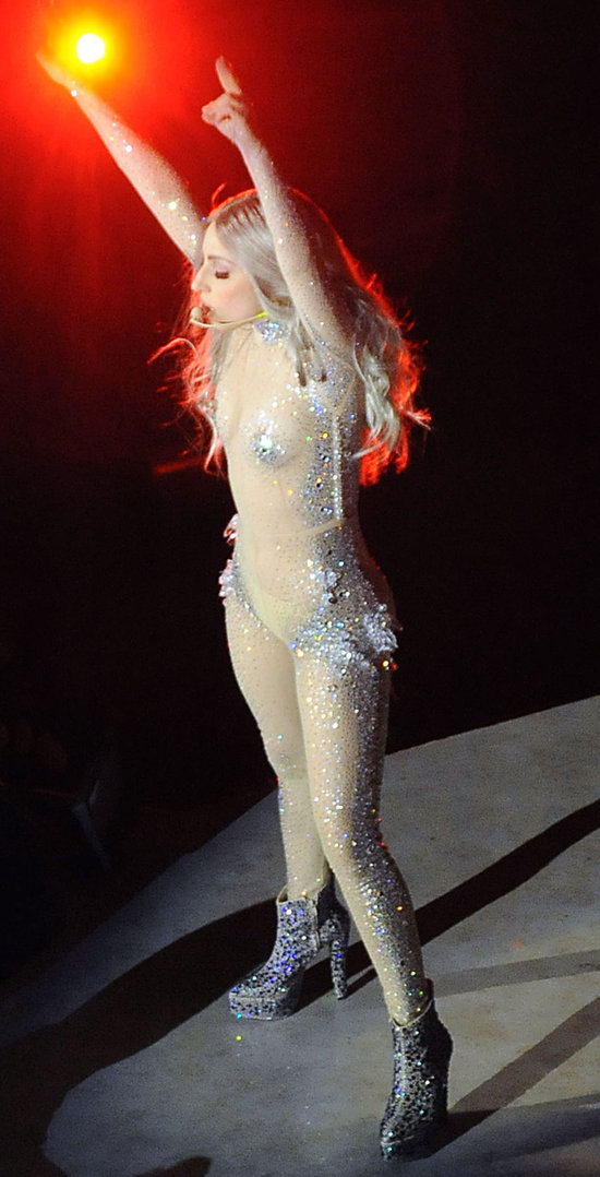 lady_gaga_in_crystal_catsuit_2.jpg