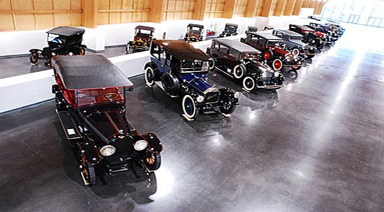 largest-car-museum-in-all-of-NorthAmerica-9.jpg