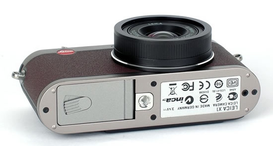 leica-x1-bmw-camera-limited-edition3.jpg
