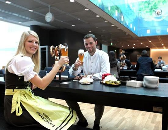 lufthansa_lavish_airport_lounges.jpg