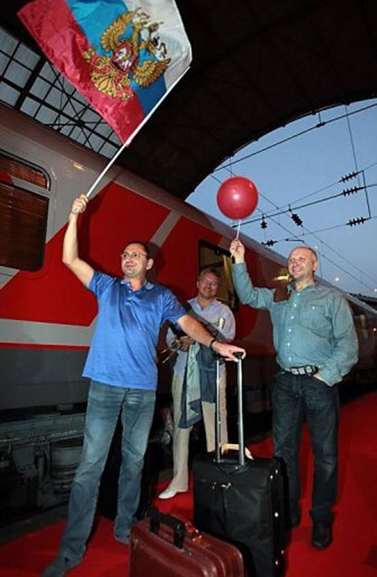 luxury-train-3.jpg