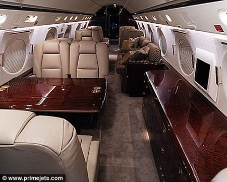 luxury_flight_prisoner3.jpg