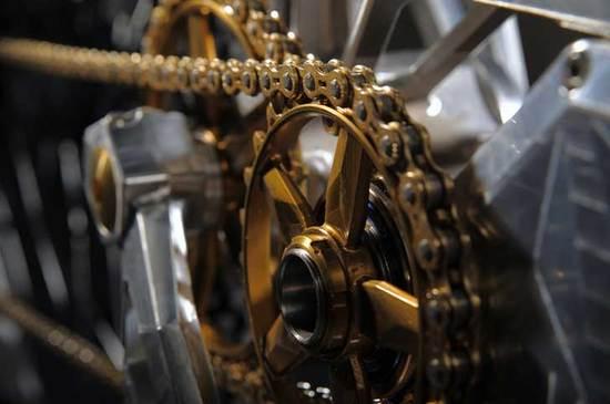 m55-creates-diamond-and-gold-encrusted-e-bikes_3.jpg