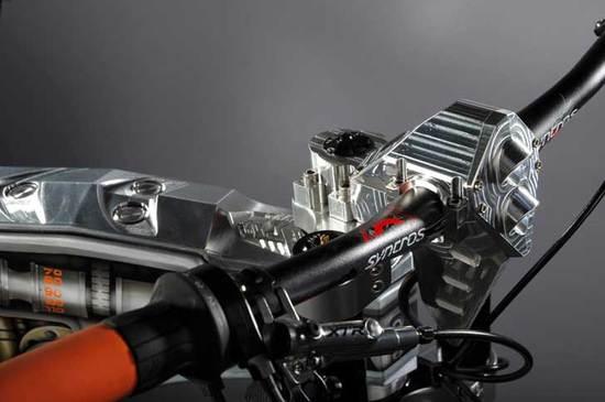 m55-creates-diamond-and-gold-encrusted-e-bikes_4.jpg