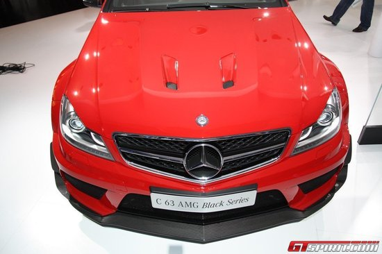 mercedes-benz-c63-amg-black-3.jpg