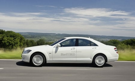 mercedes-benz_s400_blueHYBRID_2.jpg