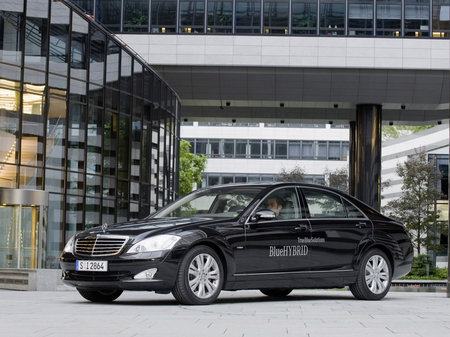 mercedes-benz_s400_blueHYBRID_4.jpg
