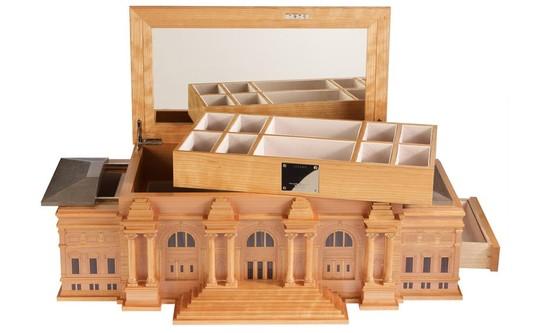 metropolitain-museum-box-2.jpg
