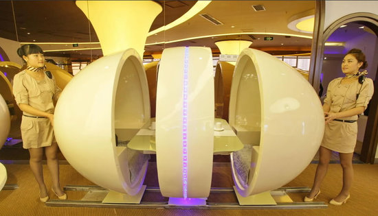 most_expensive_seats_A380_themed_restaurant_1.jpg