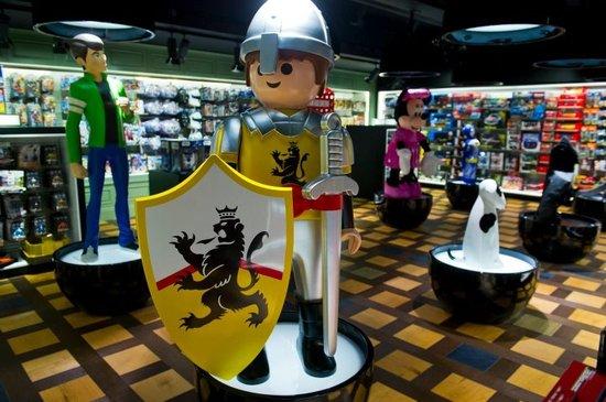 new-toy-kingdom-1.jpg