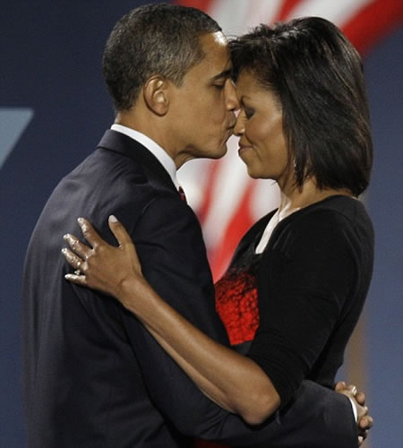 obama_with_wife.jpg